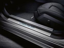 Накладки на пороги c освещением для Mercedes E class W212