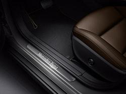 Накладки на пороги с подсветкой Mercedes CLA class X117
