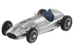 Модели автомобилей Mercedes 1.5-litre race car, W165, 1939, Silver